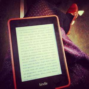 Kindle_w_pociagu